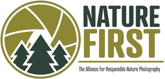logo van Nature First, een organisatie die verantwoorde natuurfotografie promoot.